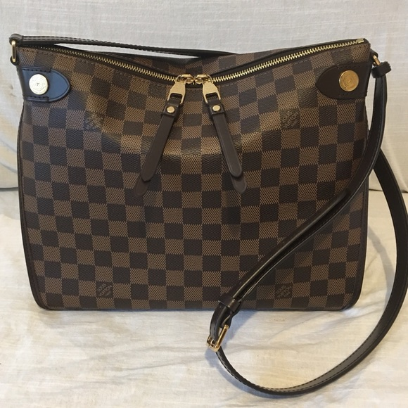 a0d9fe5e5eb9 Louis Vuitton Handbags - Louis Vuitton Duomo crossbody hobo